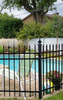 Cloture ornementale tour de piscine